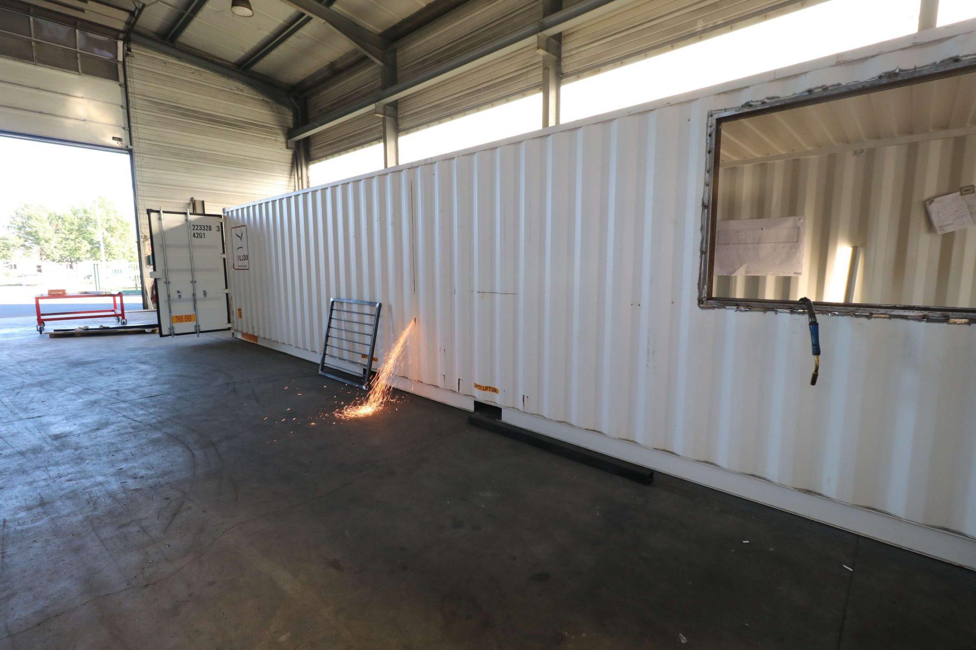Decoupe-container